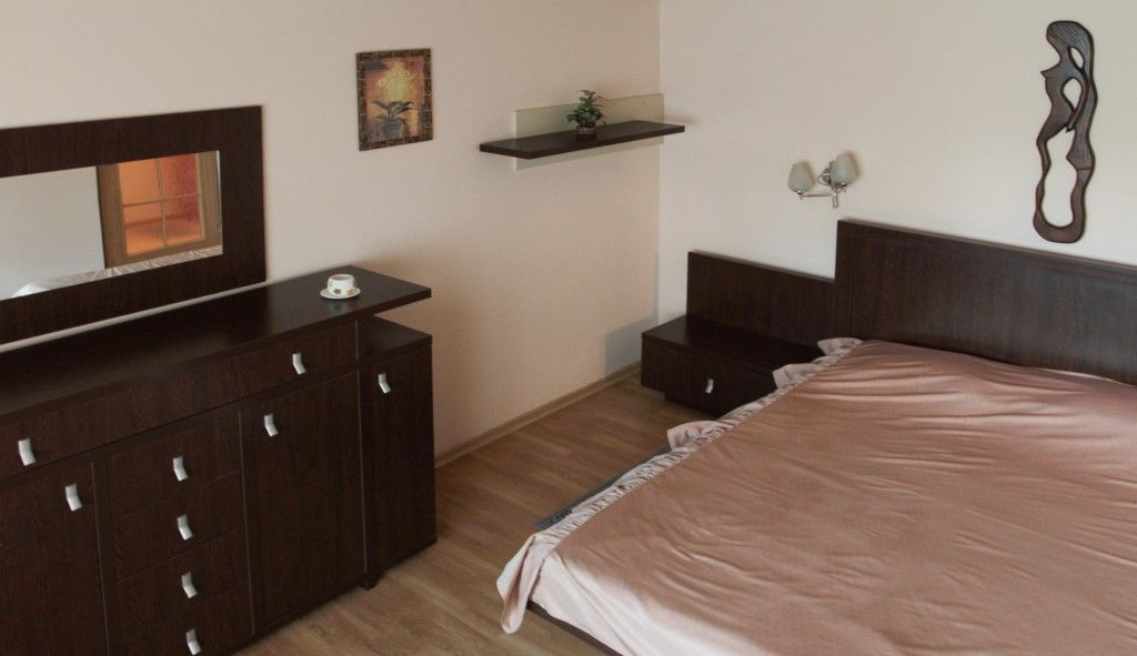 Regim-Hotelier-Iasi-Apartament-1-camera-Single-01-compressor